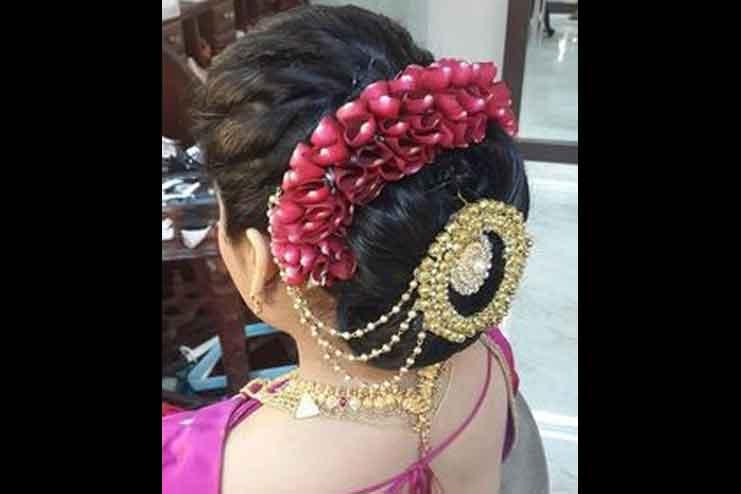 Maharashtrian-bridal-hairstyles09
