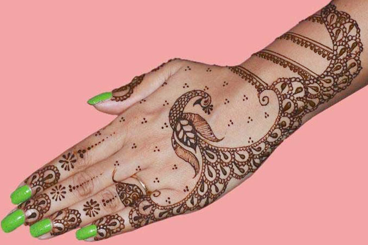 esign for peacock mehndi