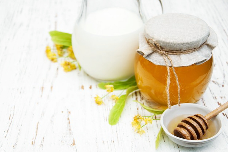 Honey Mask For Glowing Skin