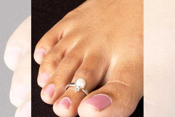 Pearl-toe-ring