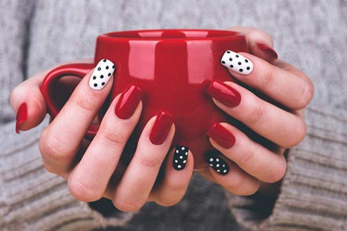 Remove-Gel-Manicure-At-Home