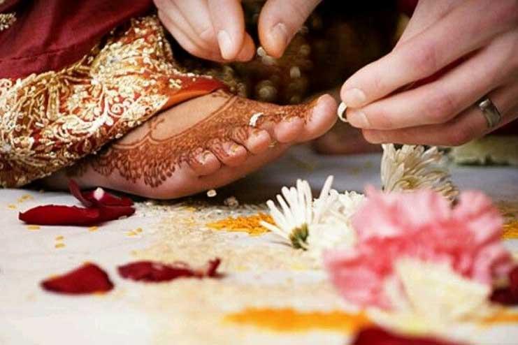 Toe-Rings-for-Bride
