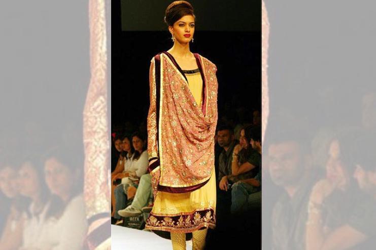 Punjabi Style Draping