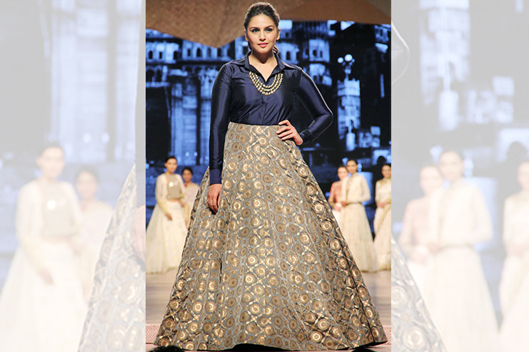 Tuck shirt in bridal lehenga