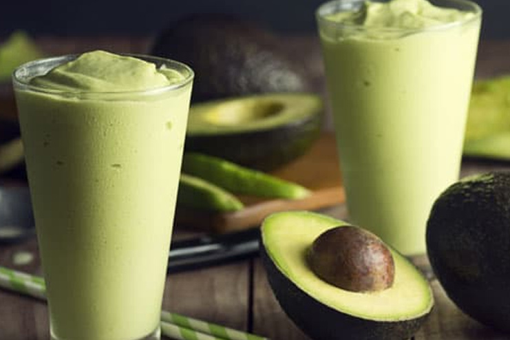 Green Smoothie with Avacado