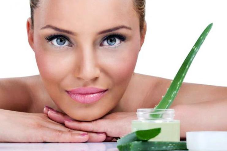 Aloe vera face mask for dry skin