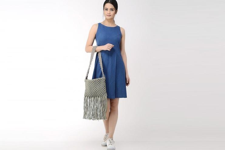 Macrame bag with fringes