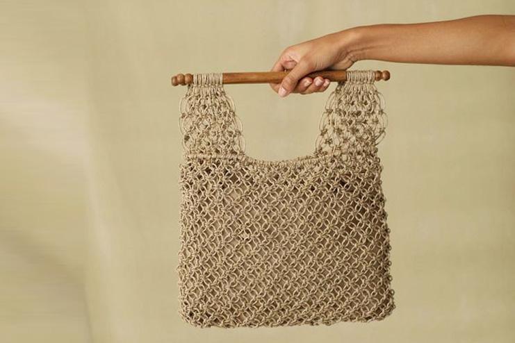 Macrame bag with wood