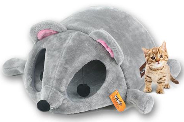 Mouse shaped cat cave