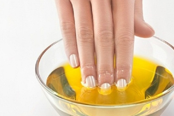 Olive oil and lemon juice for nails