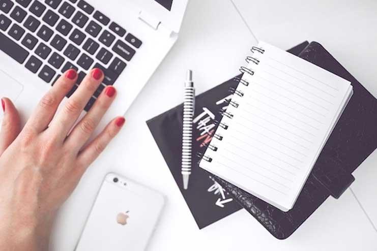 Blogging-and-vlogging