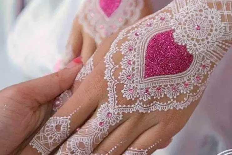 Pink-and-white-glitter-mehndi