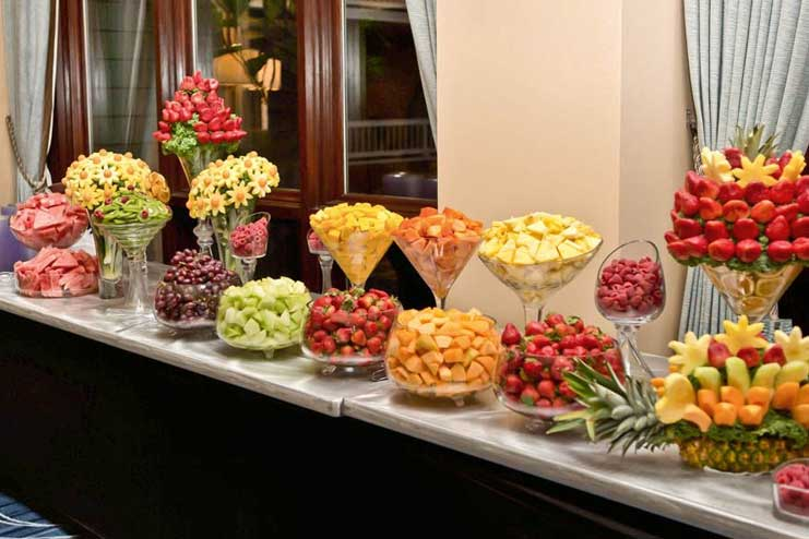 Seasonal-fruits-and-flavoured-drinks